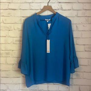 NWT NSR blue bell sleeve v neck blouse